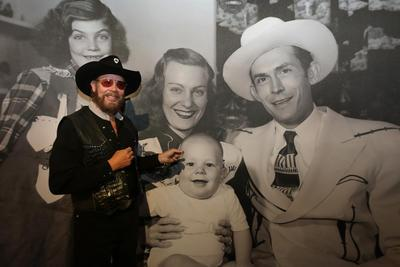 Click Here for Hank Williams Jr. website...