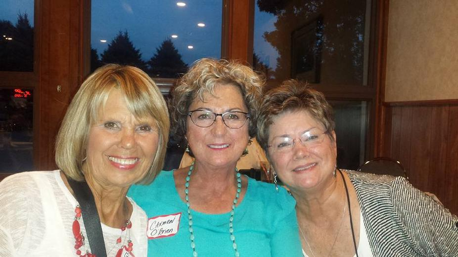 left to right Gail Farrand Rager, Carmen & Joan Hill Duoss